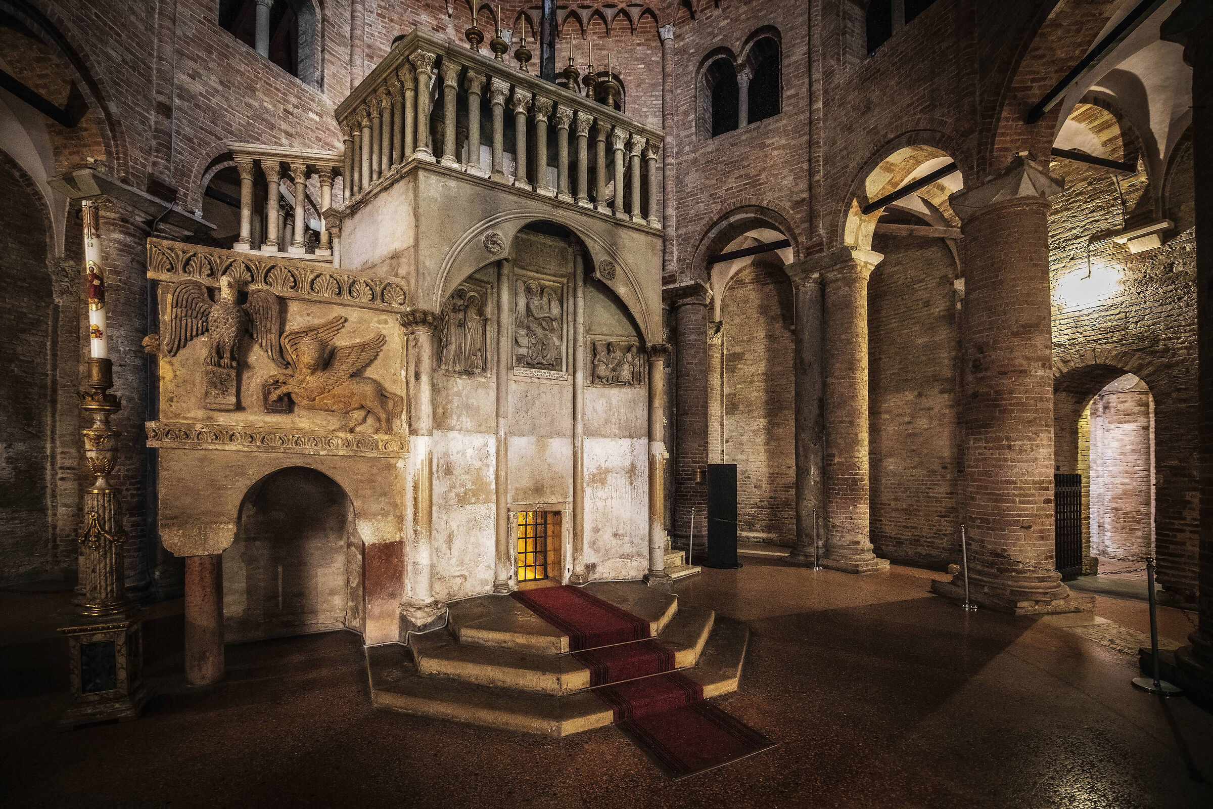Bologna, St. Stephen's Basilica. Church of the Holy Sepulchre...