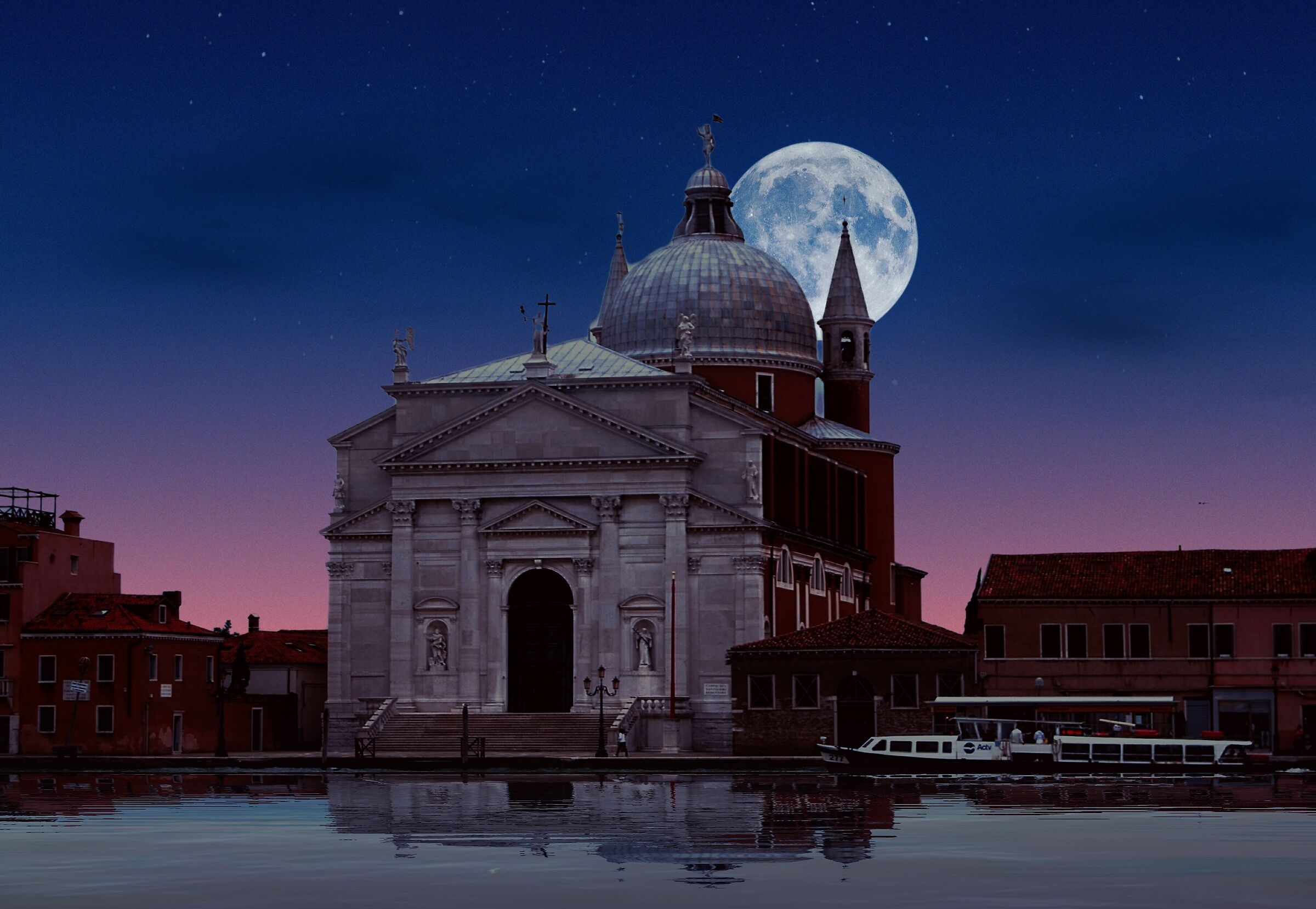 The Moon in Venice...