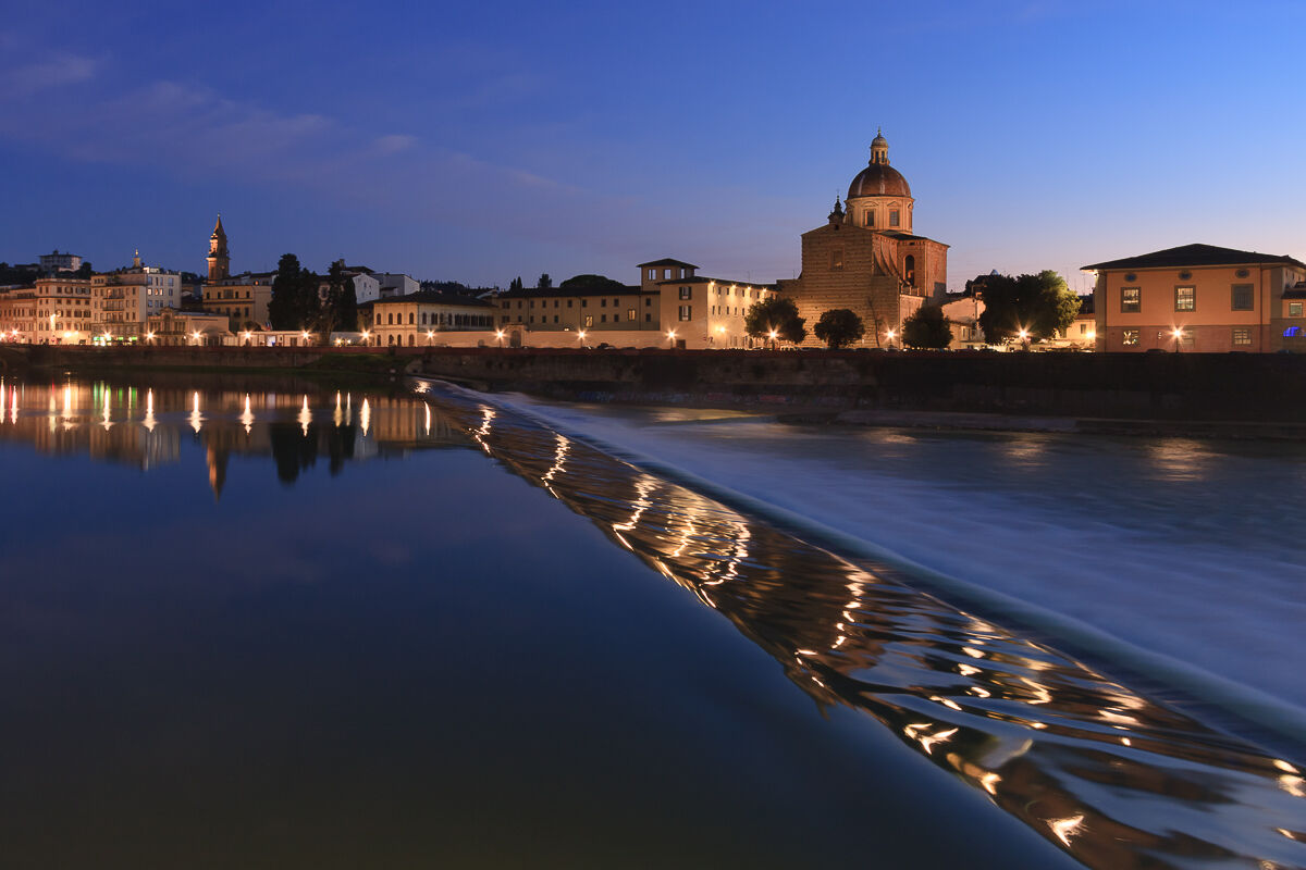 On the edge of the Arno ......