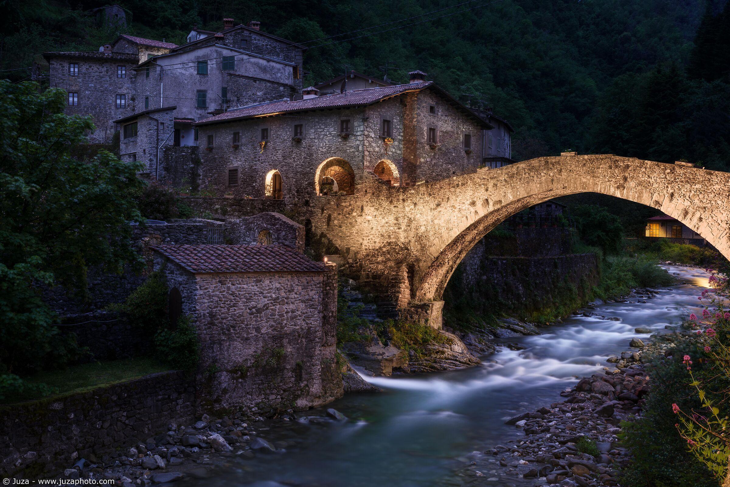 Gli incantevoli paesini delle Apuane...