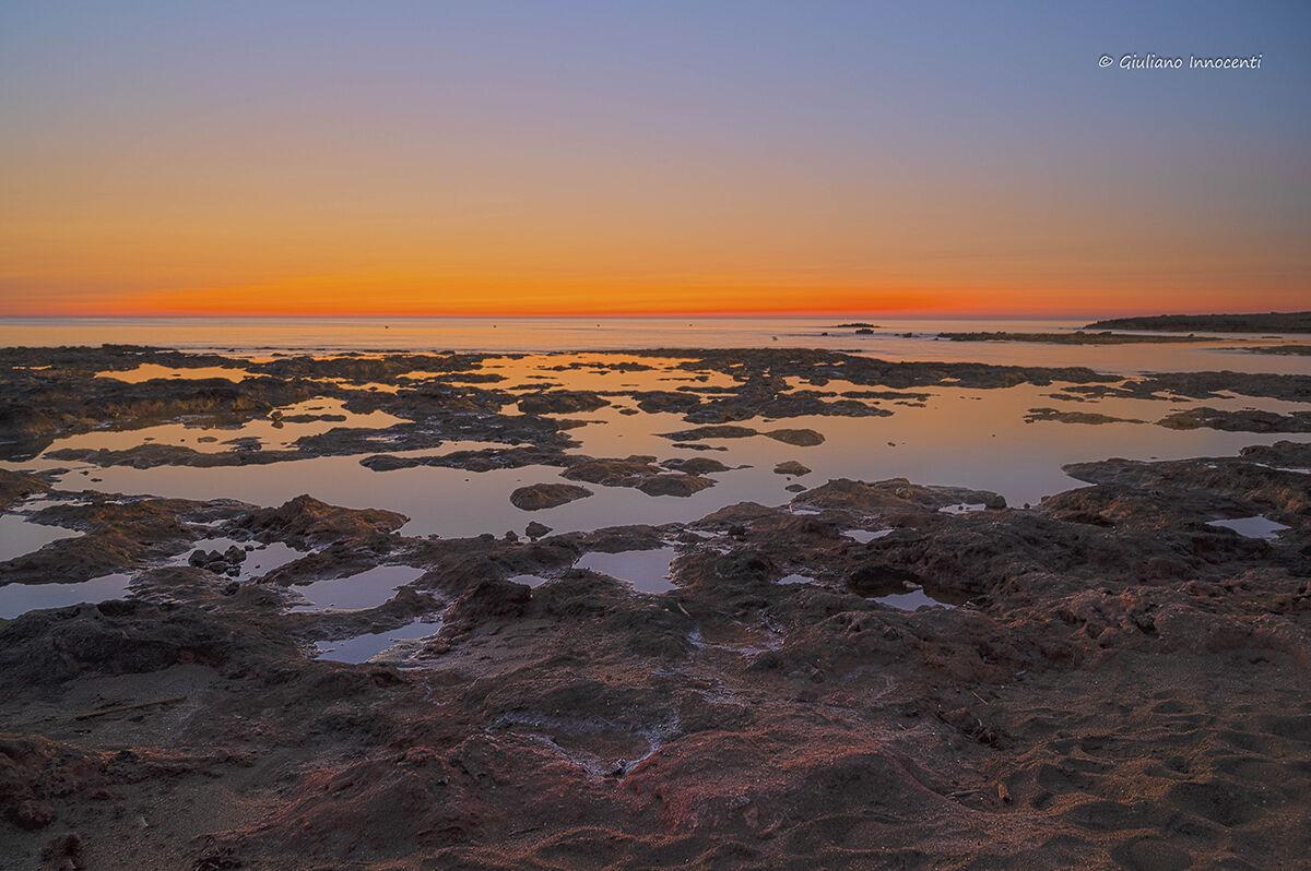 ore 5 e 15, alba sulla costa merlata-Puglia...