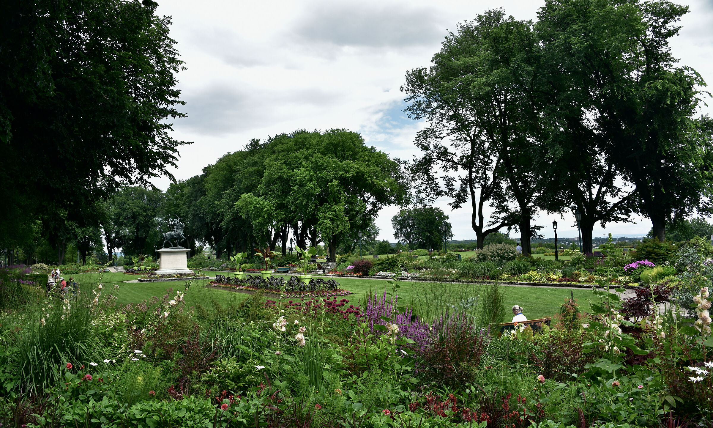"""Wonderful garden of Quebec to relax """"moments""""..."""