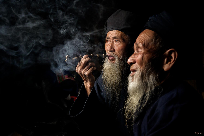 Smoke and friendship .......