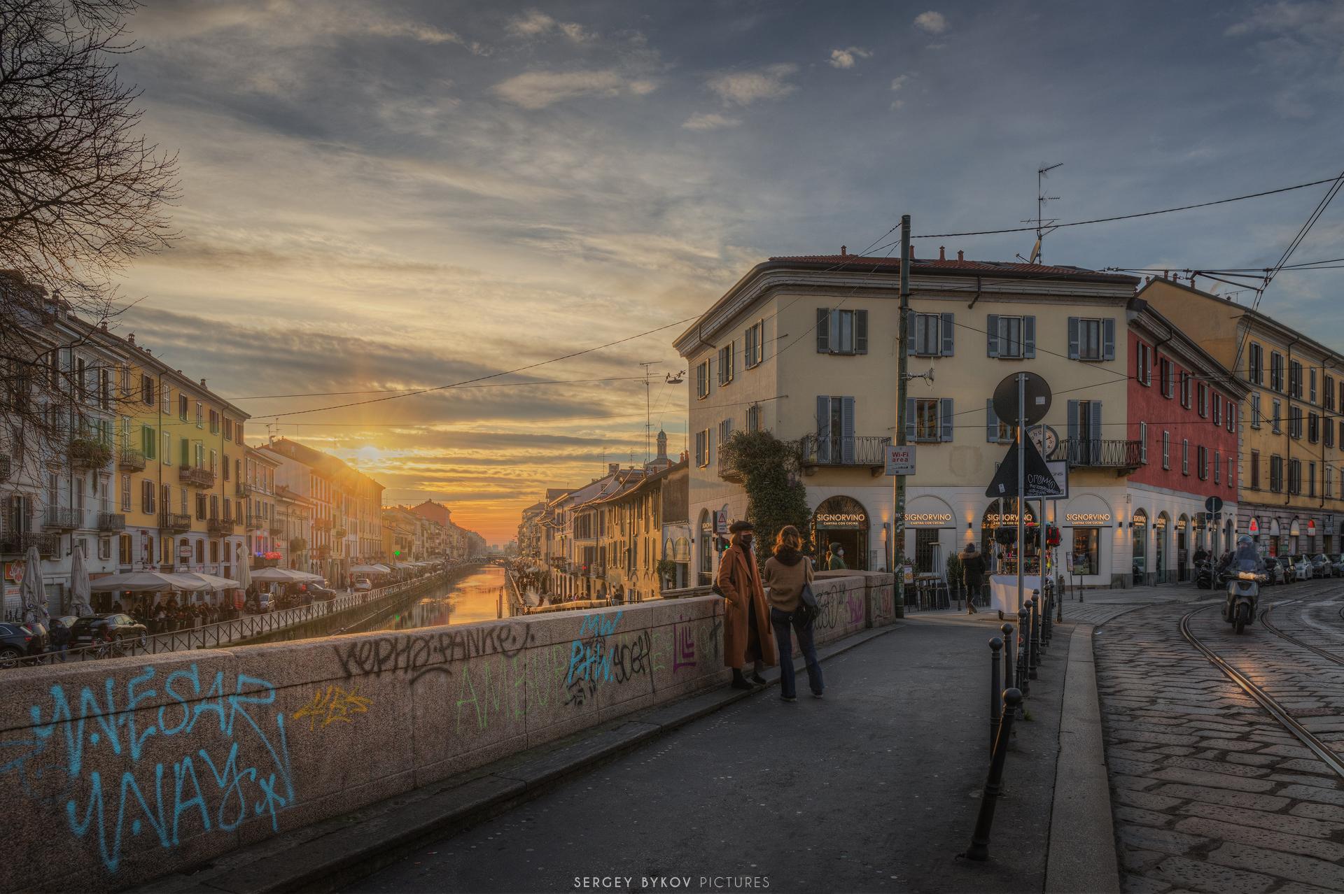 Tramonto sul Naviglio Grande Milano...